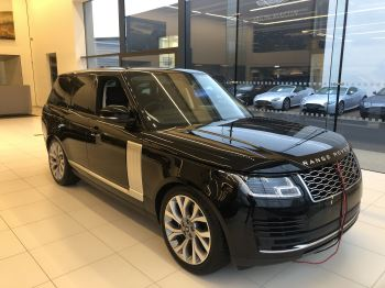 Land Rover Range Rover 2.0 P400e Vogue Petrol/Electric Automatic 4 door Estate (18MY)